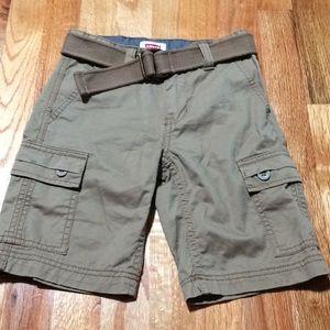 Boy's Levi's cargo shorts, size 6 regular.